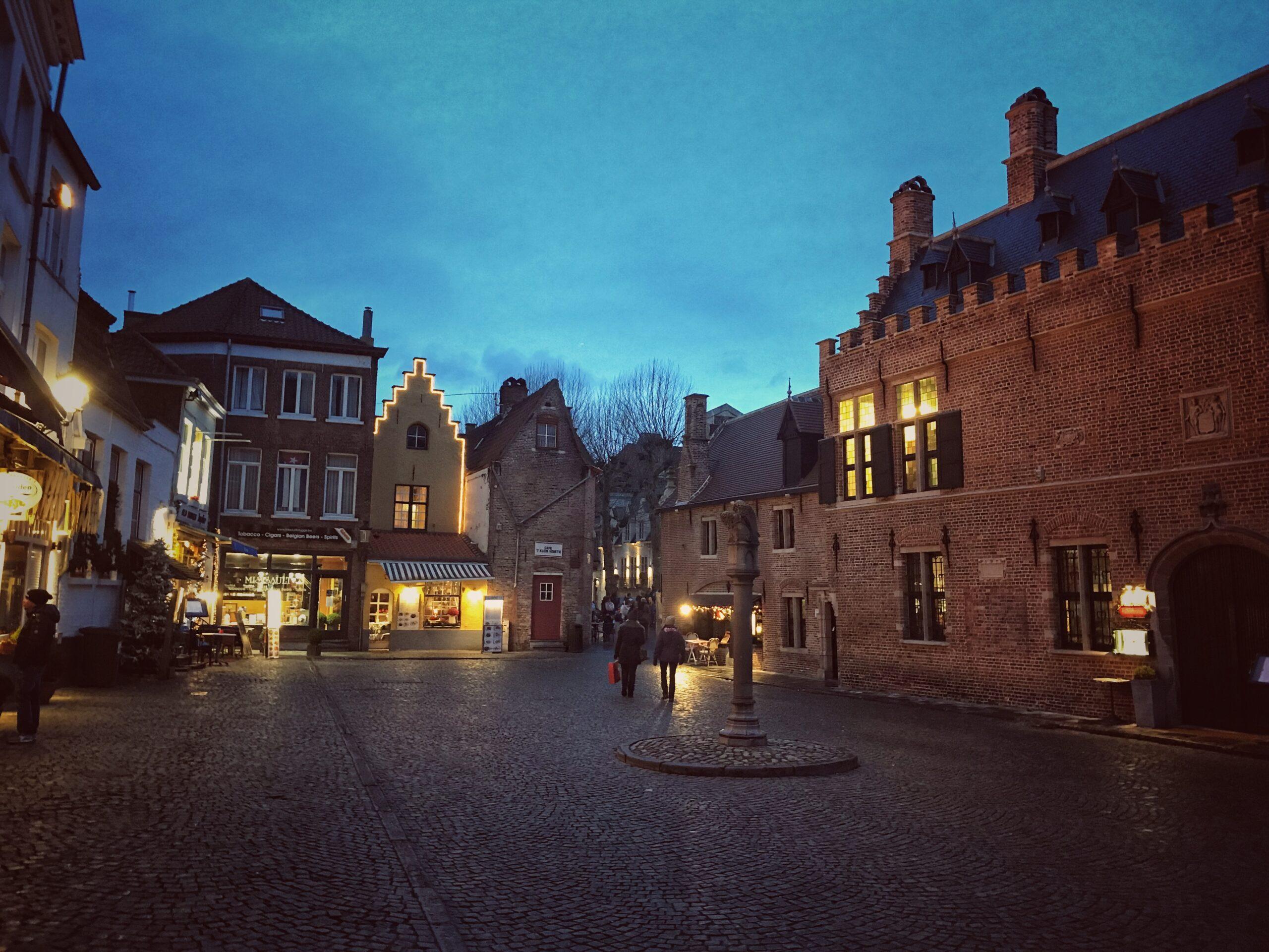 Bruges di sera
