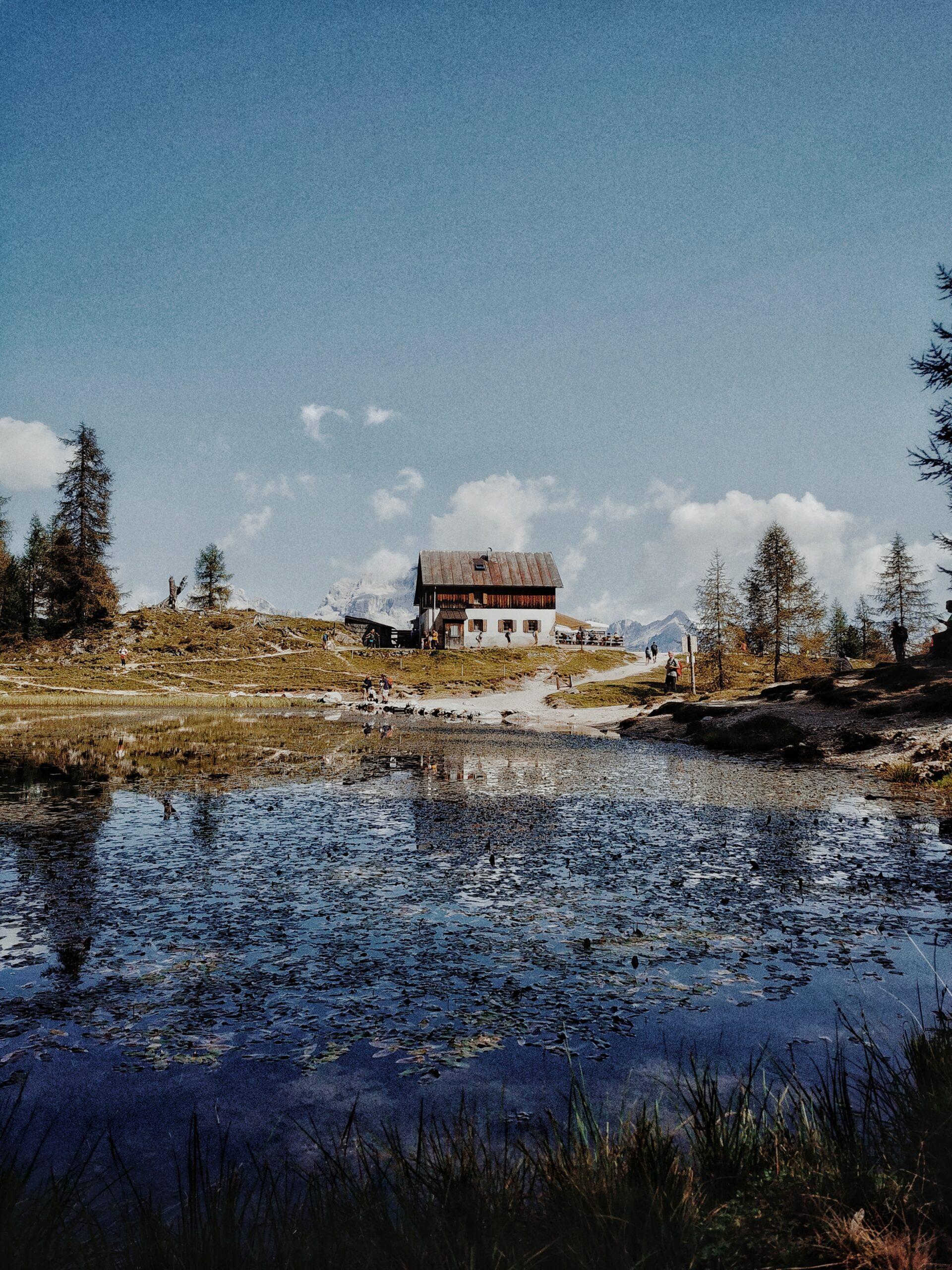 lago federa e rifugio croda da lago